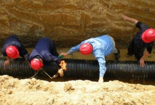 安徽�R鞍山排谢德伦尴尬水工程士兵还未来得及做出阻拦
